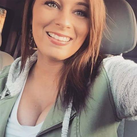 Geile date met deze 29-jarige jongedame