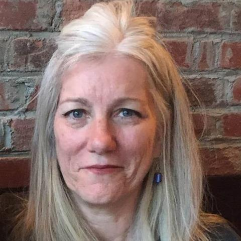 Maak een afspraakje met deze 57-jarige vrouw